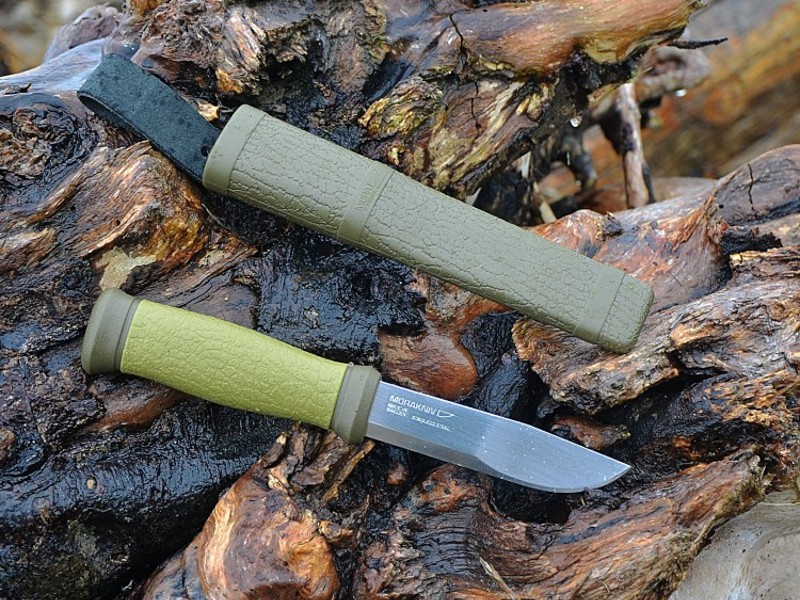 Набор Morakniv Outdoor Kit MG, нож Morakniv 2000 + топор, зеленый, 1-2001